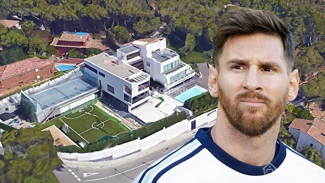 messi-choon-pocket-cach-nao-cho-Court-for-people